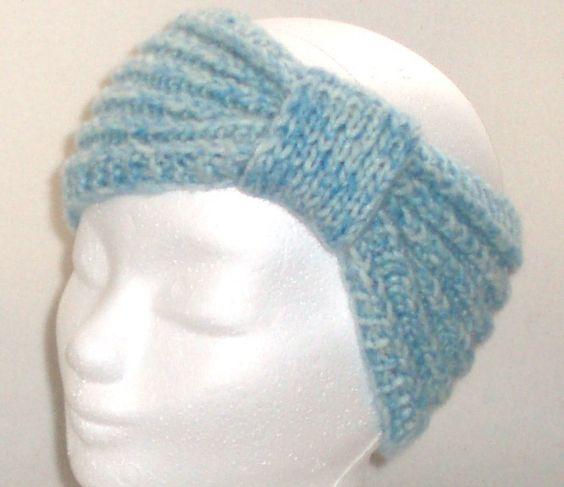 Stirnband FROSTY PASTELL in eisblau - 100% warme Ohren: Es muss nicht immer Mütze sein, wenn man sich warmhalten will.