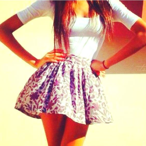 Lovin' this outfit but would want a longer skirt...come on girls...