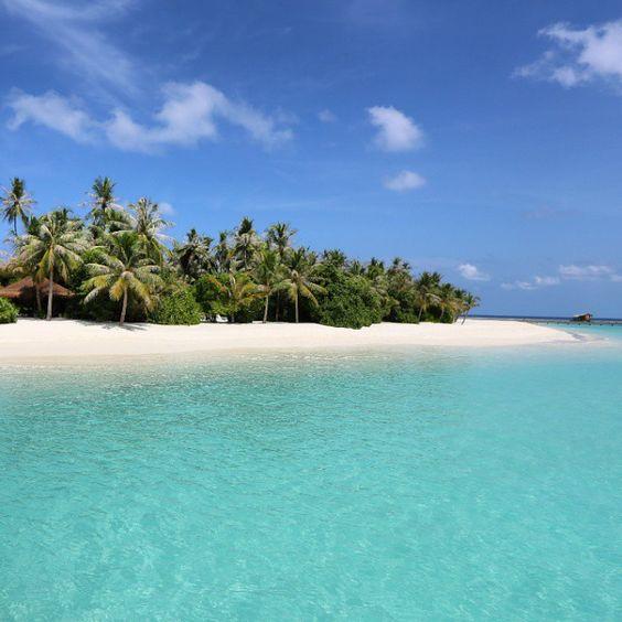 #velaa #beach #incrediblebeaches #beautifulmaldives #beaches_n_resorts #mymaldivespic #maldives #maldivesislands #ig_maldives #instamaldives #sea #lagoon #island #dream #vacation #sun #sand #may2015 #velaaprivateisland #tropivalisland #slowlife #alalamiya #beachlife #atoll #noomu #noonuatoll