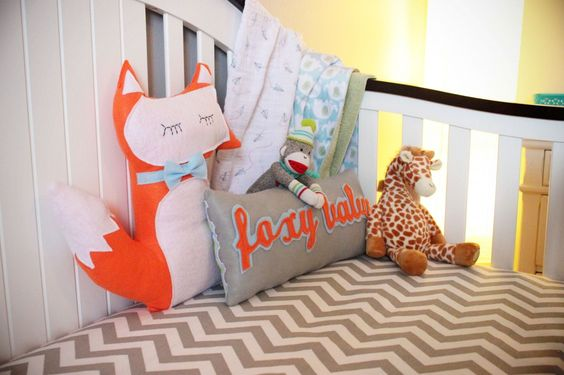 Fun, foxy accents in the nursery - we love it!
