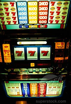 Play Vegas Style Slots for Real Money