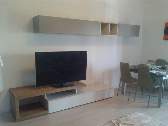 Zona living, legno e mobili laccati opachi. realizzazione aguzzoli ...