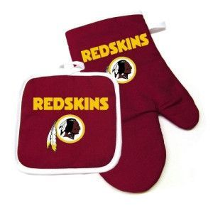 Cooking is more fun with this #Redskins oven mitt & pot holder!