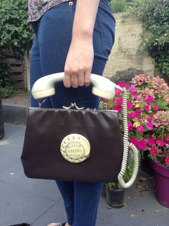 Tas gemaakt van oude telefoon
