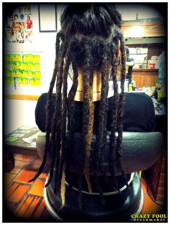 Dreads com alongamento nos cabelos de Ingrid de Porto Alegre - RS