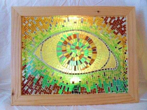 Quadro luminoso mosaicato in vetro cattedrale e specchio con cornice in legno,illuminato con luce a led multi color.Misure 50x40