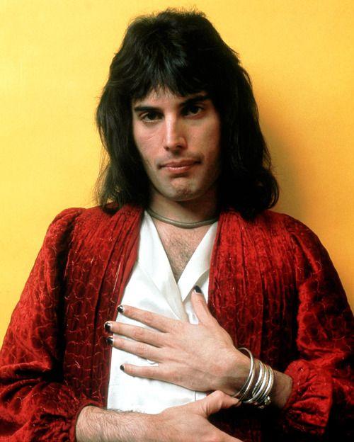 Freddie Mercury Imagen poca difundida de un excelso de la música