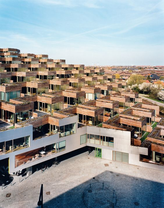 Big bjarke ingels mountain dwellings for Danish terrace