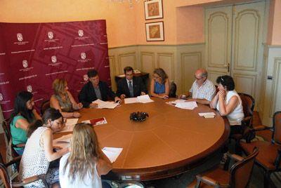 Los 4 grupos de acción local de la provincia de Segovia reciben 20.000 euros de la Diputación http://revcyl.com/www/index.php/politica/item/6389-los-4-grupos-de-acci%C3%B3n-local-de-la-provincia-de-segovia-reciben-20000-euros-de-la-diputaci%C3%B3n