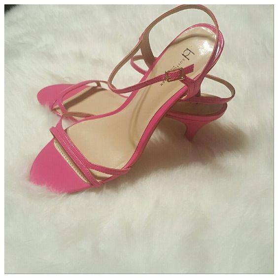 Hot pink strappy kitten heels | Zapatos de tacón Tacones de