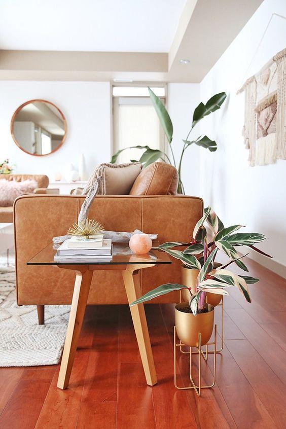Nên sử dụng sofa gỗ hay sofa da tphcm cho phòng khách nhà bạn