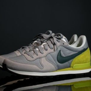 Nike Internationalist Gris Cactus