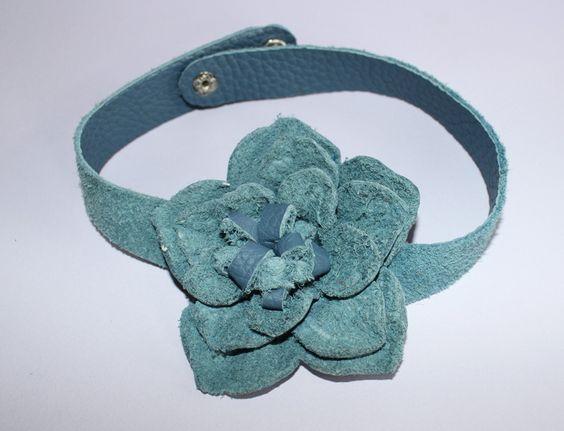 Kropfbänder & Halsbänder - Kropfband, Blume, Leder - ein Designerstück von ansche75 bei DaWanda