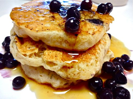 Just made blueberry protein pancakes (no eggs) - for one serving - mix ...