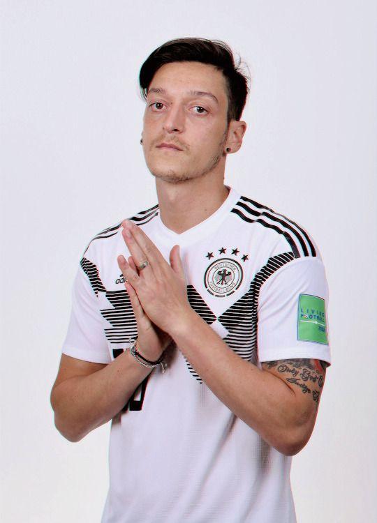 Germany Portraits 2018 Fifa World Cup Russia Mesut Ozil Germany National Football Team Football Fashion Germany Team