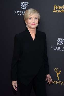 Florence Henderson dies at age 82 11/24/2016