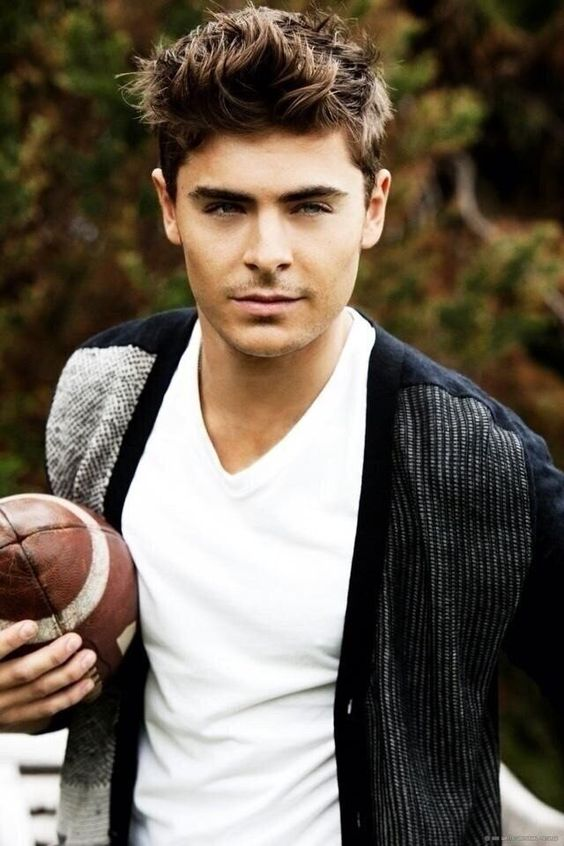 Was never really a huge fan of Zac Efron, but my God he looked good in that movie recently that I totally can't remember the name of coz I was just drooling the whole time #Zac #Efron #Hot: