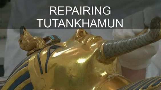 21 OCT: Tutankhamun's beard to be restored #Tutankhamun #Egypt Restorers are working on the golden burial mask of King Tutankhamun over a year after the beard was accidentally knocked off and hastily glued back on.  Watch more: bbc.in/Tutankhamun #BBCShorts @BBCNews by bbcnews