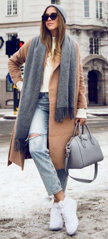 Oversized scarf + style and sophistication + every day look + Kenza Zouiten + accessorising a ripped jeans + beige coat + gorgeous grey scarf. Sweater/Scarf: Acne Studious, Coat: Make Way for Bubbleroom, Jeans: Topshop, Bag: Givenchy, Shoes: Nike.