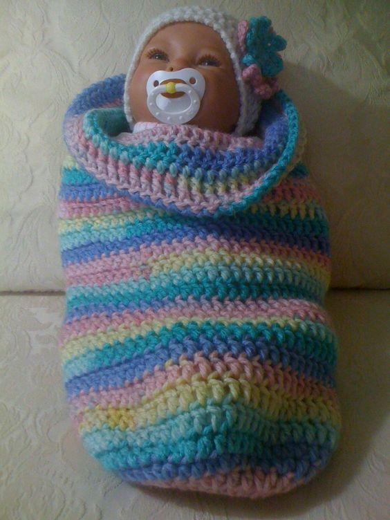 Baby Cocoon...crocheted. Would be a great Christmas gift for a little girl!