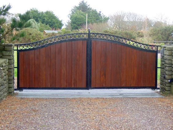 how to build a fence gate with metal frame