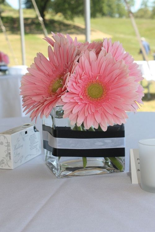 There are vases like this but smaller so we could put less flowers