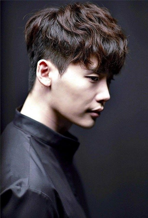 29 Marvelous Short Haircuts For Men With Straight Hair 2019 Korean Hairstyle Korean Men Hairstyle Undercut Hairstyles