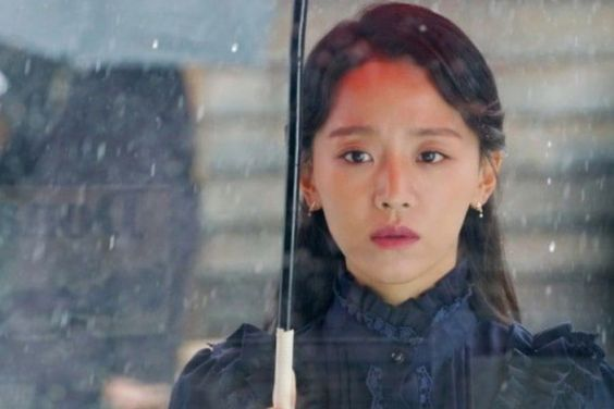 "Shin Hye Sun Is A Doleful Soprano In ""Death Song"""