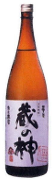 Yamamoto Kuranokami Imo Shochu 25% 72cl - The pronounced nose, full, smooth flavour and earthy complexity of shochu distilled from sweet potatoes, in the style that is a speciality of Kagoshima prefecture at the southern tip of Japan. A splash of hot water makes a restoring, warming punch.