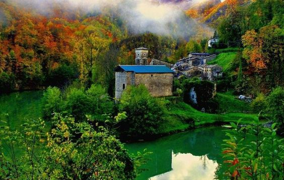 The magical place of Isola Santa, in Italy - Magnani