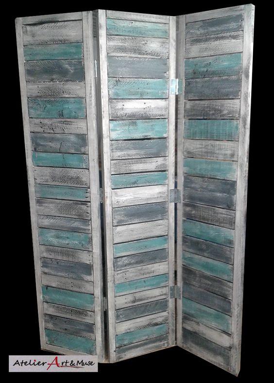Paravent en bois de palette et peinture recycl s palettes pinterest for Peinture plancher en bois
