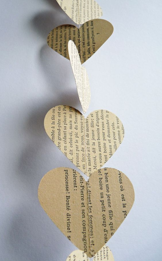 paper heart garland from etsy