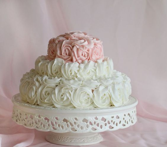 #Birthday Cake of Roses