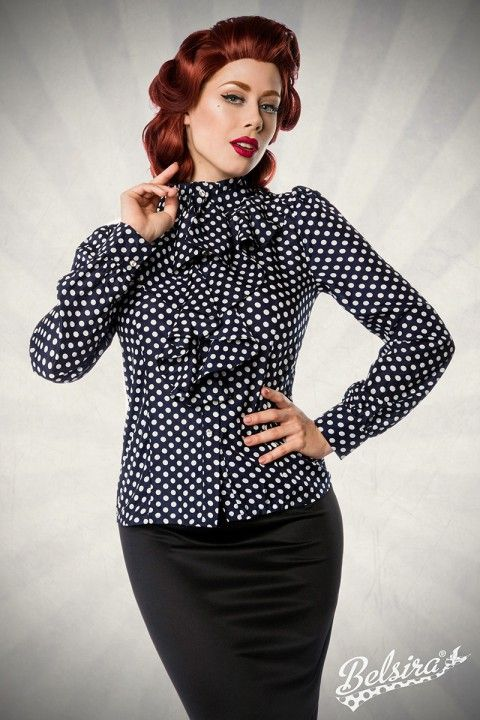 Diese #Vintage Bluse kann vielfältig kombiniert werden. Ob im Büro zu Jeans oder auf der nächsten Familienfeier zu einem eleganten Pencil Rock - Du bist immer top gestylt. https://www.burlesque-dessous.de/hersteller/belsira/vintage-bluse-blau/weiss