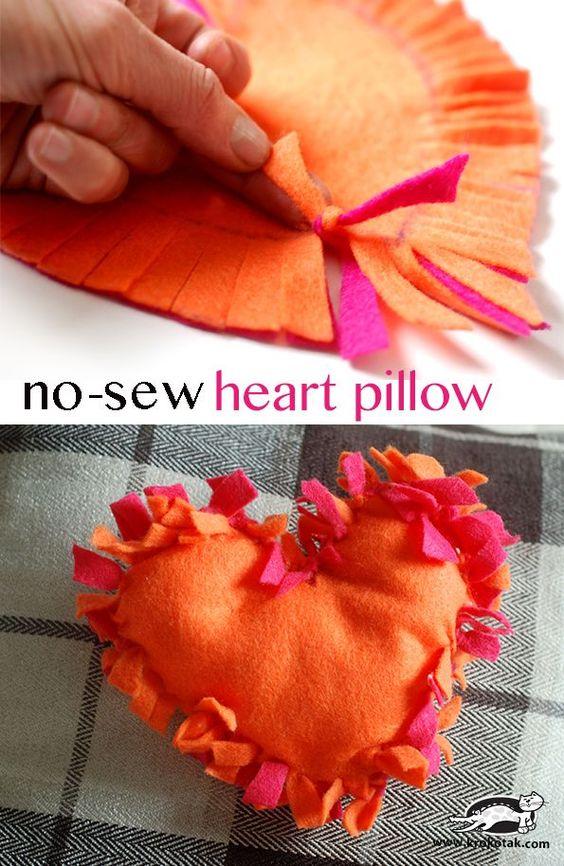 How to make a no sew felt heart pillow #valentinesday #make #pillow