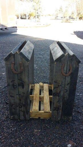 Pallet saddle rack