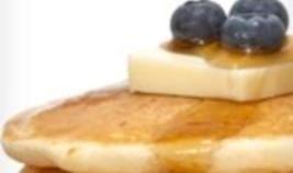 Panqueques con proteína de almendras y arándanos