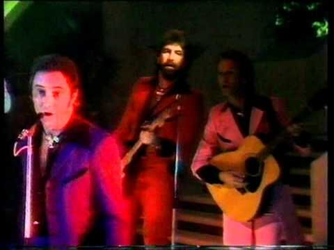 Showaddywaddy - Why Do Lovers Break Each Others Hearts 1981 - YouTube