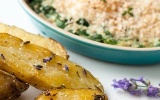 Patatas FlorentinaEsta receta de patatas de guarnición es del blog pistoynopisto, un amigo. De los que saben comer y beber. Ingredientes: • Patatas nuevas bien lavadas con piel cortadas en gajos •...