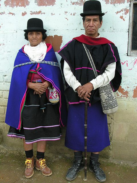 """During a Columbian Native meeting in Maria Piendamo, Guanbianos people, Cauca, Colombia.    A la Maria Piendamo en Colombie des femmes Guambianos cuisinent pour un rassemblement d 'indigène du Cauca.  Ascencion Velasquo et Juan Bautisto Cuchillo""  © David Ducoin  www.tribuducoin.com http://www.flickr.com/photos/tribuducoin/3328279037/"