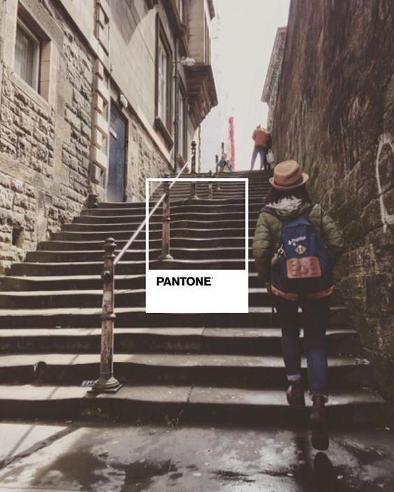 #pantone #coloursfortravelling #edinburgh #stairs #mikiandjoann