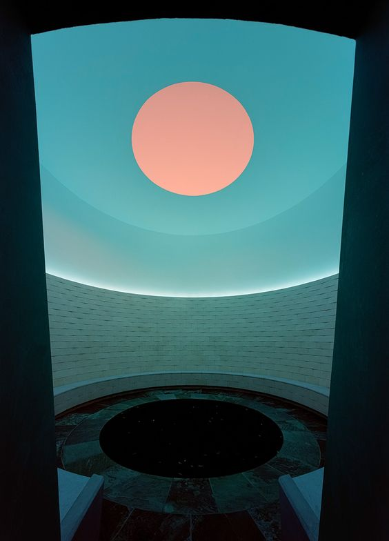 "JamesTurrell, The Way of Color is a ""Skyspace"""