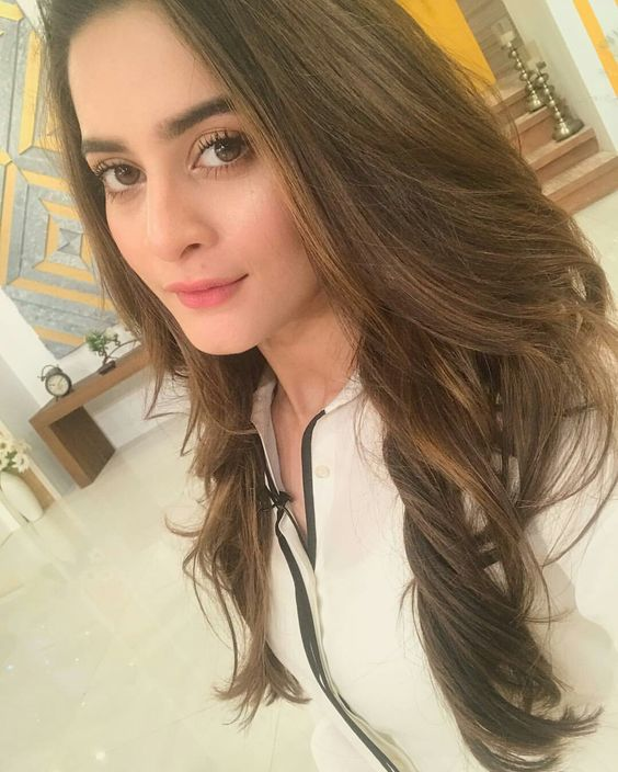Aiman Khan Selfie of Jago Pakistan Jago Show in July 2017! #Beautiful #Lovely #PrettyGirl #AimanKhan #JagoPakistanJago #PakistaniActresses #PakistaniCelebrities ✨