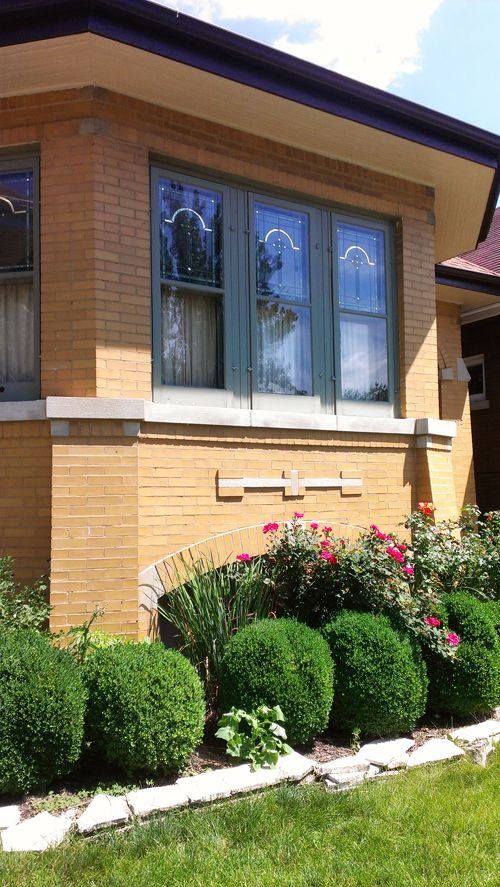 Transom Windows A Useful Design Element: Angel Gilding Is A Decorative Element Used In Chicago