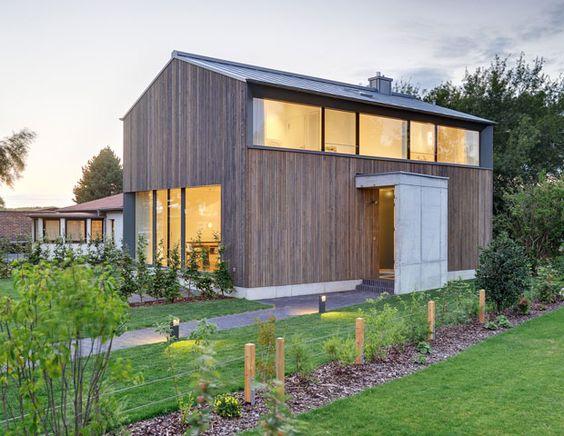 Holzhaus architektur bauwerke pinterest for Minimalistisches kleines haus