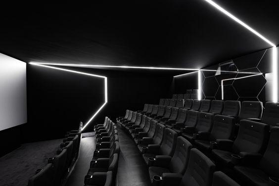 Innenarchitektur Stuttgart - Filmtheater, Kino, Film, Weltspiegel Cottbus, Sanierung, Öffentliche Bauten, Historie