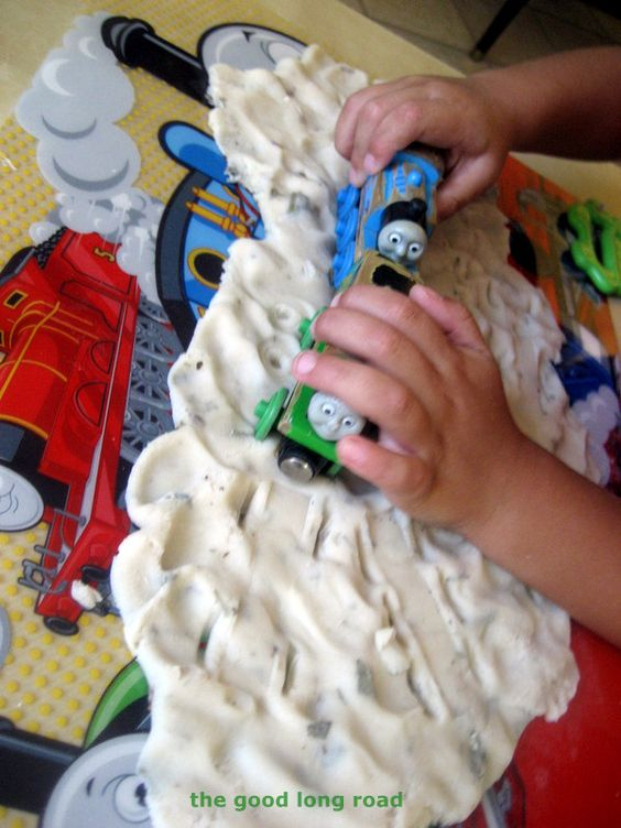 Playdough for Pretend Play - Thomas and Percy are stuck! #playdough