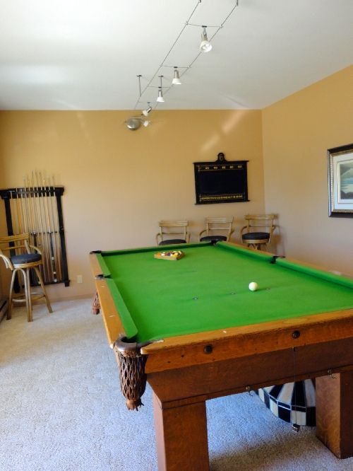 Bayside comes fully equip for fun with a games room!