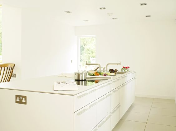 Depending on preference, the bulthaup b3 kitchen can come with