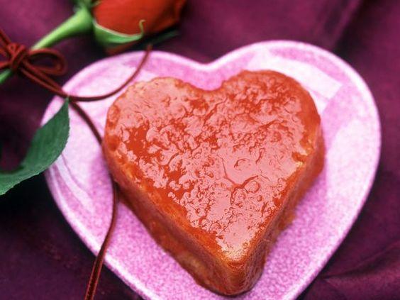 Herz-Savarin mit Orangensirup ist ein Rezept mit frischen Zutaten aus der Kategorie Südfrucht. Probieren Sie dieses und weitere Rezepte von EAT SMARTER!
